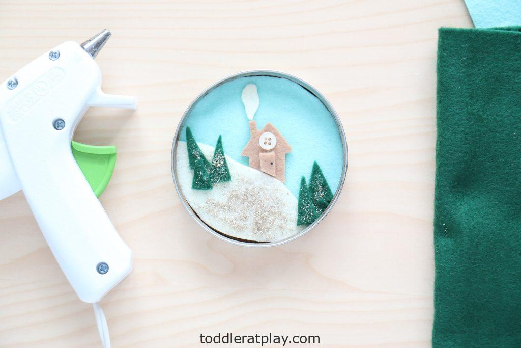 lid winter scene craft - toddler at play (3)